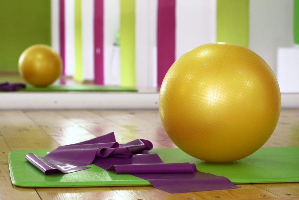 Фитнес уреди - топка, ластик и постелка